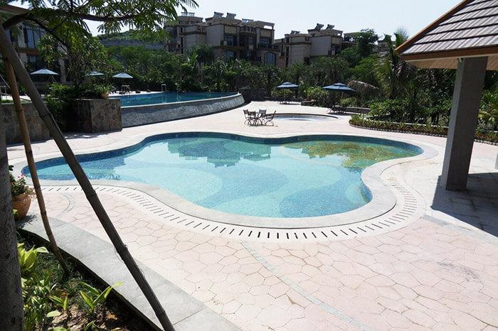 怀化泉水弯度假山庄游泳池水加热设备