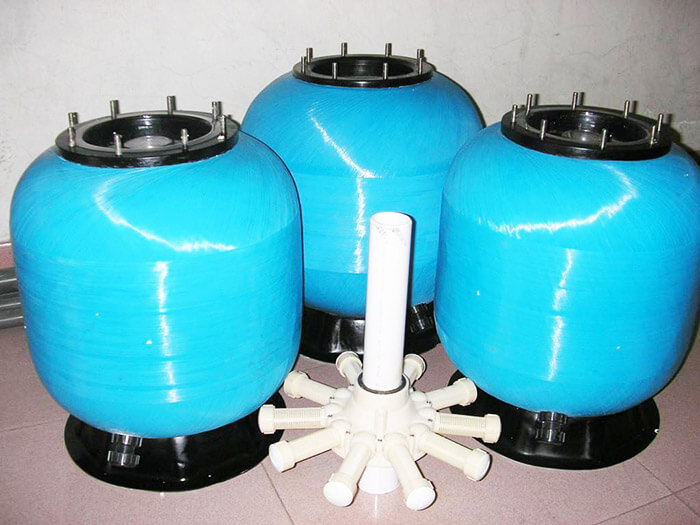 游泳池过滤设备顶出式砂缸跟侧出式砂缸的区别
