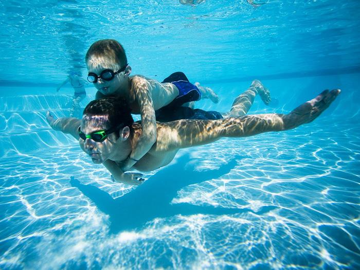 恒温游泳池水质维护注意事项